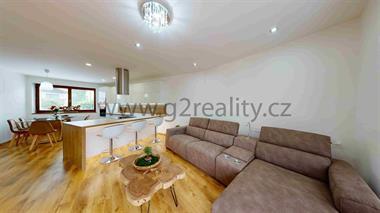 Prodej rodinného domu 7+KK v Bojkovicích