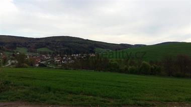 Prodej pozemku v Dolní Lhotě u Luhačovic